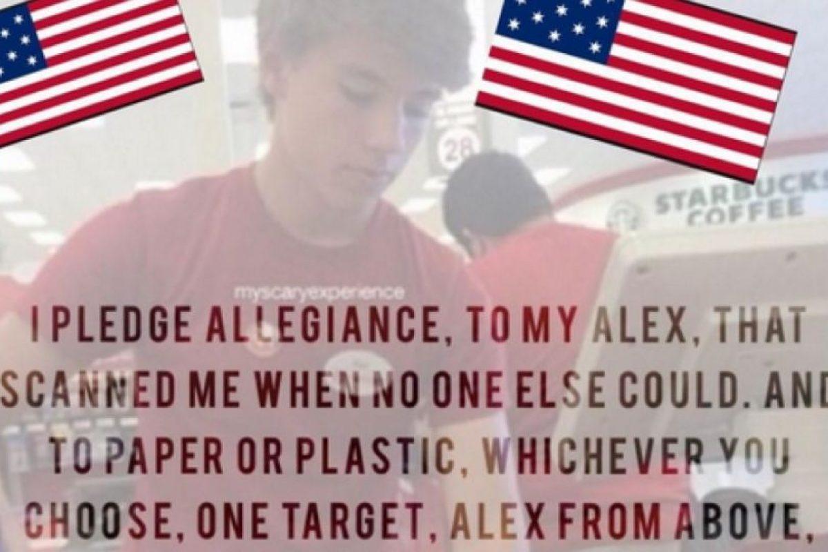 """Algunos cambiaron el juramento a la bandera de EUA por el juramento a """"Alex"""" Foto:Vía Twitter. Imagen Por:"""