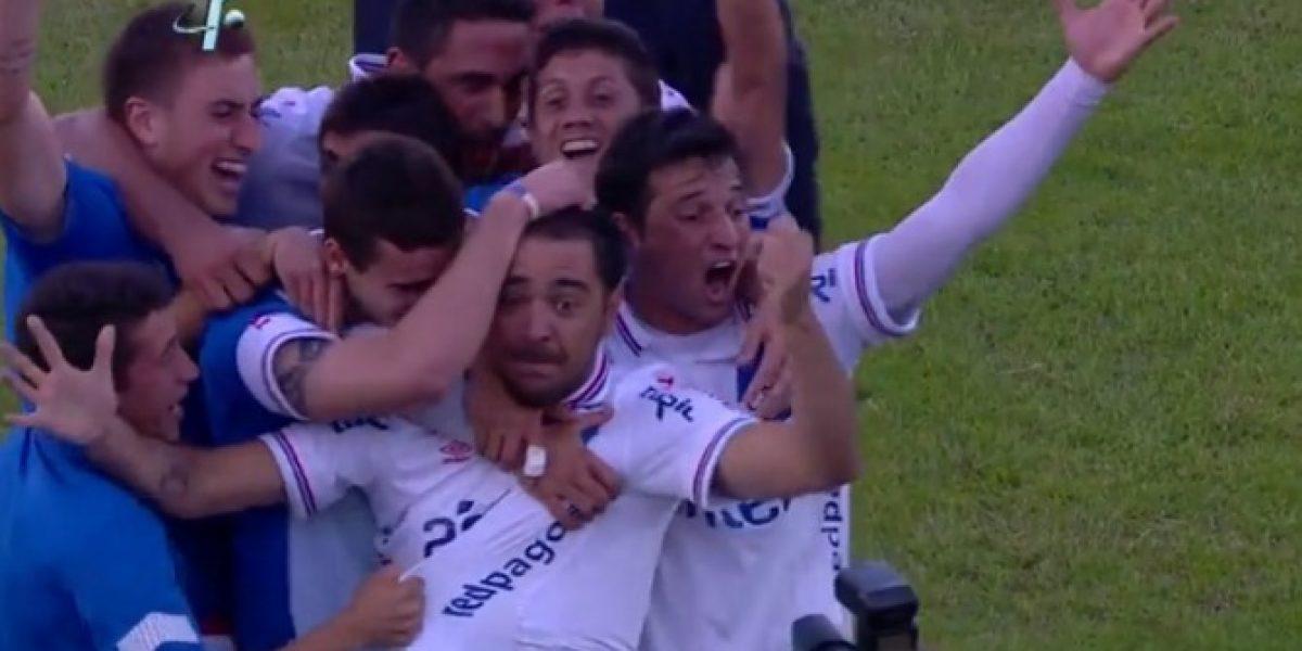Nacional lo dio vuelta ante Peñarol con un gol con la mano y una joya de Recoba