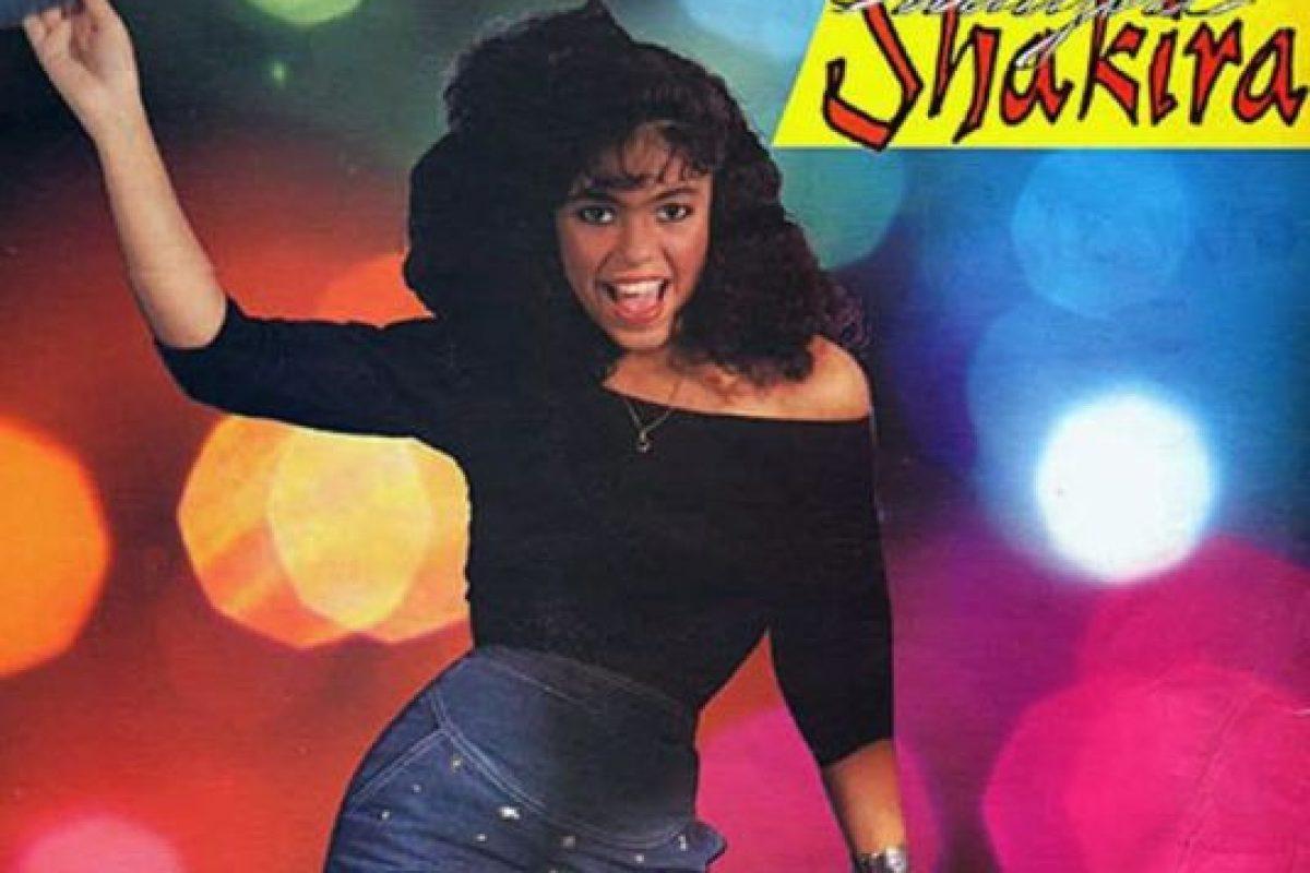 Shakira, en 1991, cuando sacó su primer álbum Foto:Coveralia. Imagen Por: