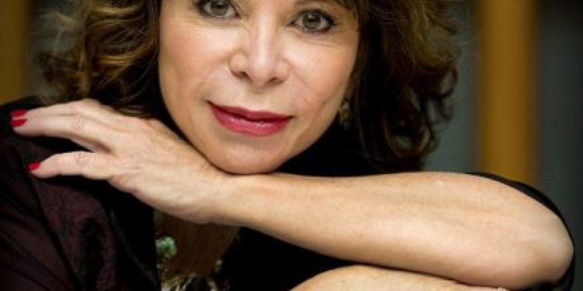 Obama galardonará en la Casa Blanca a la escritora Isabel Allende