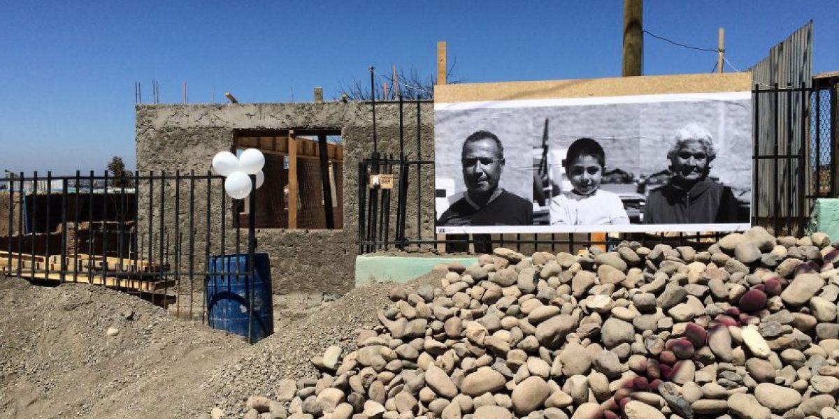Fotógrafos reconstruyeron álbumes familiares de víctimas del incendio de Valparaíso
