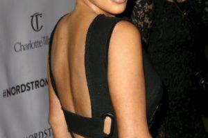 Se rumoró que durante los VMAs se hicieron grandes esfuerzos para evitar que la señora West se encontrará con la cantante Foto:Getty Images. Imagen Por: