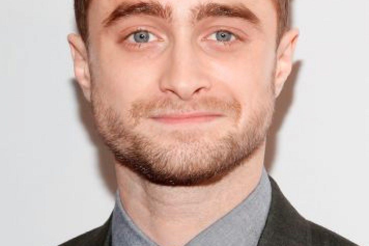 En la historia, Radcliffe interpreta a un hombre acusado de haber asesinado a su novia. Foto:Getty Images. Imagen Por: