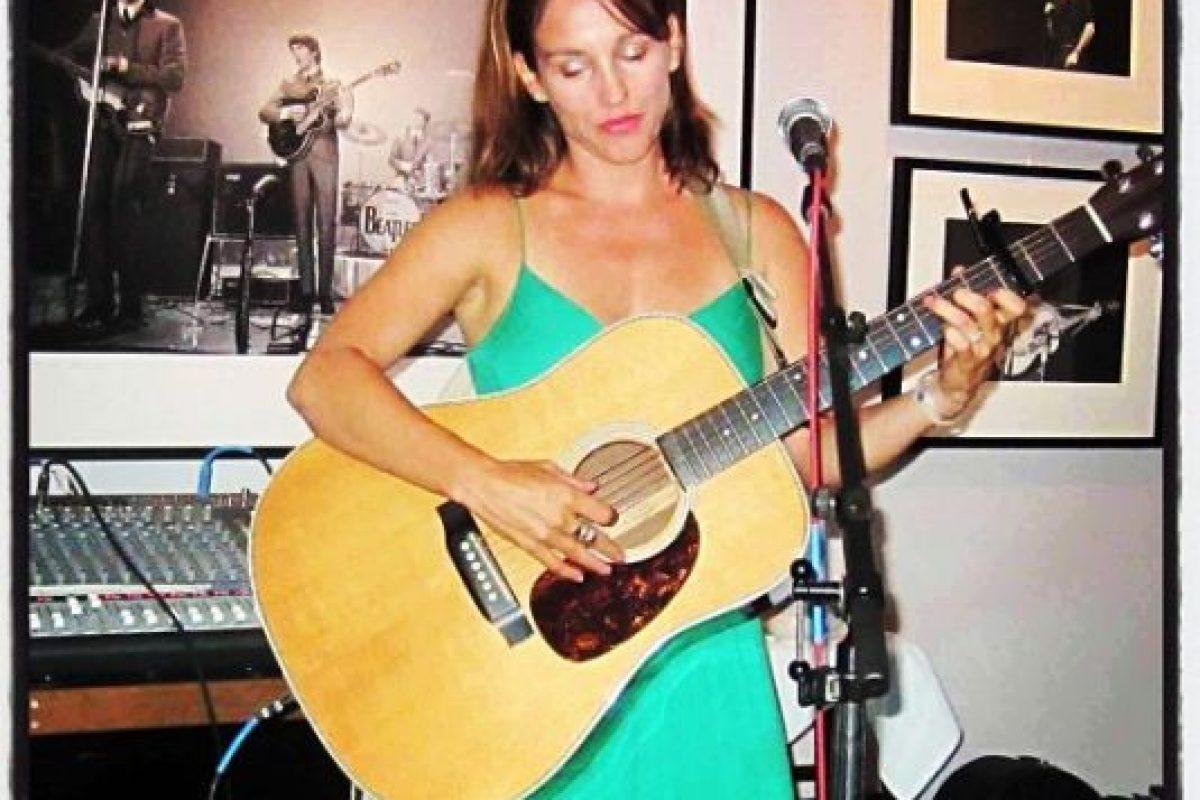 Amy es cantante y compositora Foto:Instagram/atothedoublej. Imagen Por: