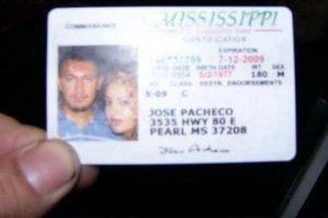Ella quiere acompañarlo incluso sacando su licencia Foto:Twitter. Imagen Por: