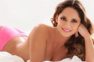 La también actriz mexicana se desnudó para Playboy en 2010 Foto:Instagram: @elbajimeneznews. Imagen Por: