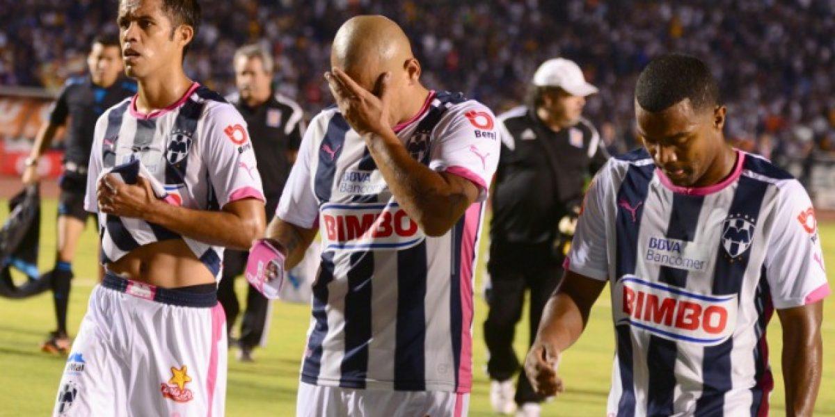 ¿Responderá Chupete? Hinchas del Monterrey volvieron a encarar a los jugadores