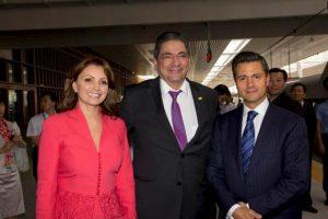 Se caracteriza por usar colores brillantes Foto:Página oficial Angélica Rivera. Imagen Por: