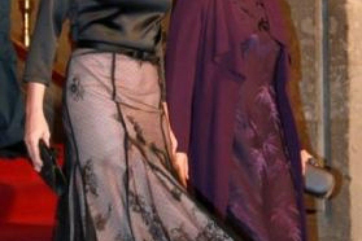 """""""Los vestidos de noche y cocktail son réplicas de los modelos de la Reina"""" Foto:Página oficial Angélica Rivera. Imagen Por:"""