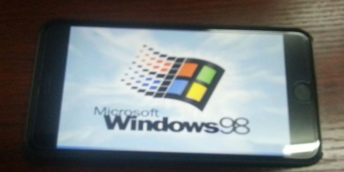 FOTOS: WTF! Usuario le instaló Windows 98 a su iPhone 6 Plus