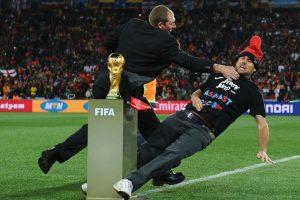 Jimmy no pudo tocar la Copa del Mundo que más tarde ganaría España. Foto:Getty Images. Imagen Por: