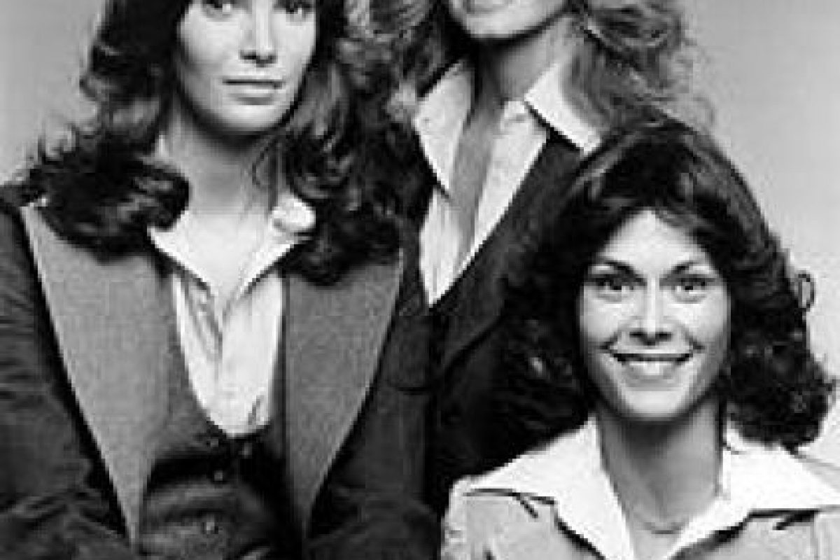 """En la serie de los 70, """"Los ángeles de Charlie"""", el personaje de Charlie nunca apareció en pantalla. Foto:Wikipedia. Imagen Por:"""