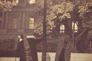 Rihanna fuera de la Casa Blanca Foto:Instagram/Badgalriri. Imagen Por: