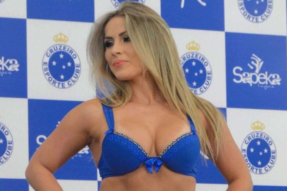 Las modelos llamaron mucho la atención con la sexy ropa Foto:cruzeiro.com. Imagen Por: