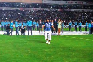 En su presentación con Querétaro Foto:Facebook: Ronaldinho Gaucho. Imagen Por: