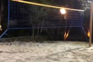 El brasileño pidió a los Gallos Blancos que en su casa hubiese una cancha de volleyball de playa Foto:Facebook: Ronaldinho Gaucho. Imagen Por: