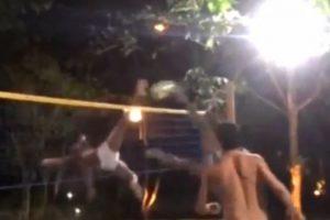 Realizó una tapa que terminó en punto Foto:Facebook: Ronaldinho Gaucho. Imagen Por: