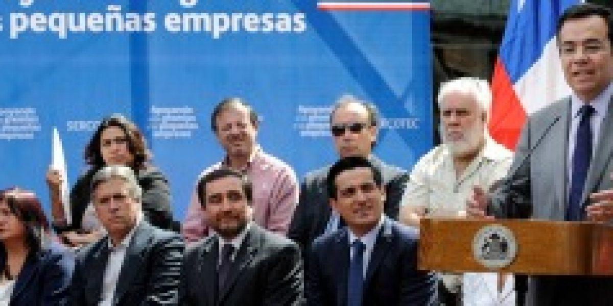 Ministro Céspedes advierte que propuestas de la banca para proveer efectivo a consumidores no solucionan la falta de cajeros automáticos