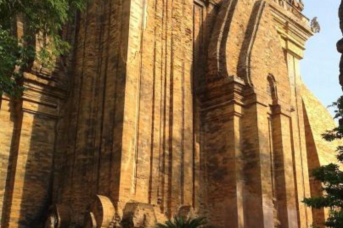 """Pogana pagoda in Nha Trang, Viet Nam"". Lâm Trần Hoàng.. Imagen Por:"