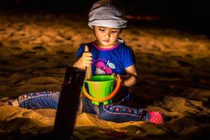 """""""Let's play in the desert"""". Arnel Castro.. Imagen Por:"""