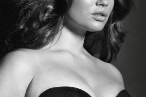La criticaron por posar desnuda para la revista Elle Foto:Facebook/Tara Lynn. Imagen Por: