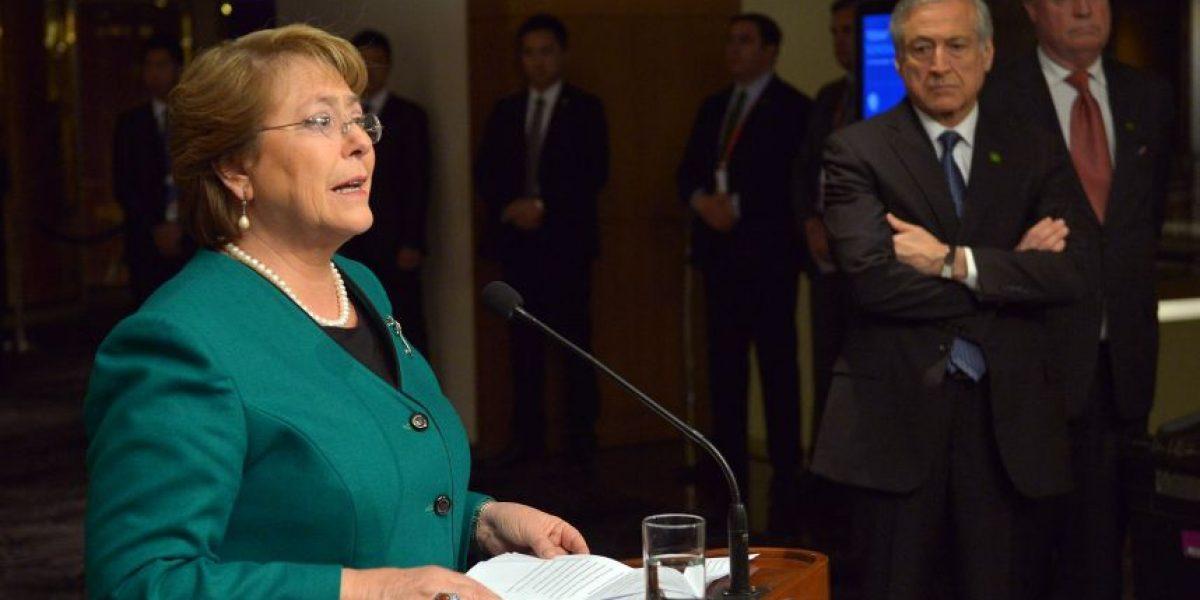 Fuerte y extraño cruce de palabras entre escoltas de Bachelet y seguridad china