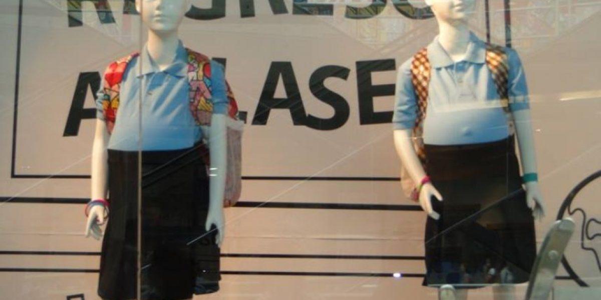 Venezuela: Maniquíes de adolescentes embarazadas causan controversia