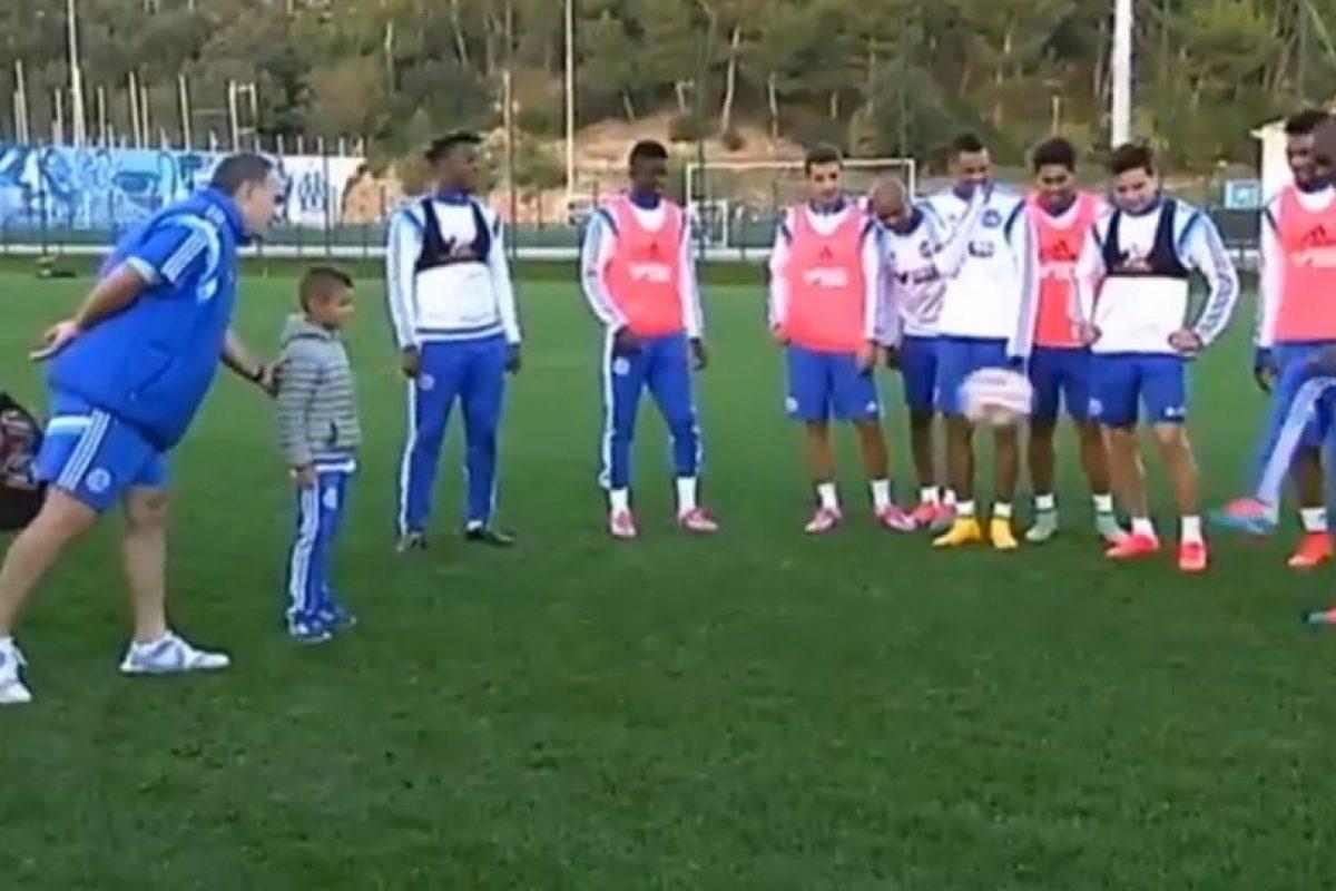 Recientemente, Marcelo invitó a un niño de las catgorías menores del Marsella para que se uniera al entrenamiento. Foto:vía YouTube. Imagen Por: