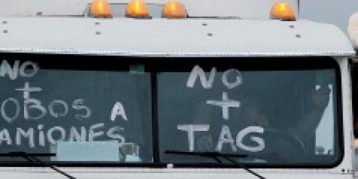 """Camioneros dicen que alza de 9% del TAG es un """"verdadero mazazo"""" al sector"""