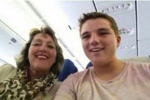 Gary Slok y su madre Petra, en el avión MH17 de Malaysia Airlines que fue derribado en Ucrania. Foto:Facebook/Gary Slok. Imagen Por: