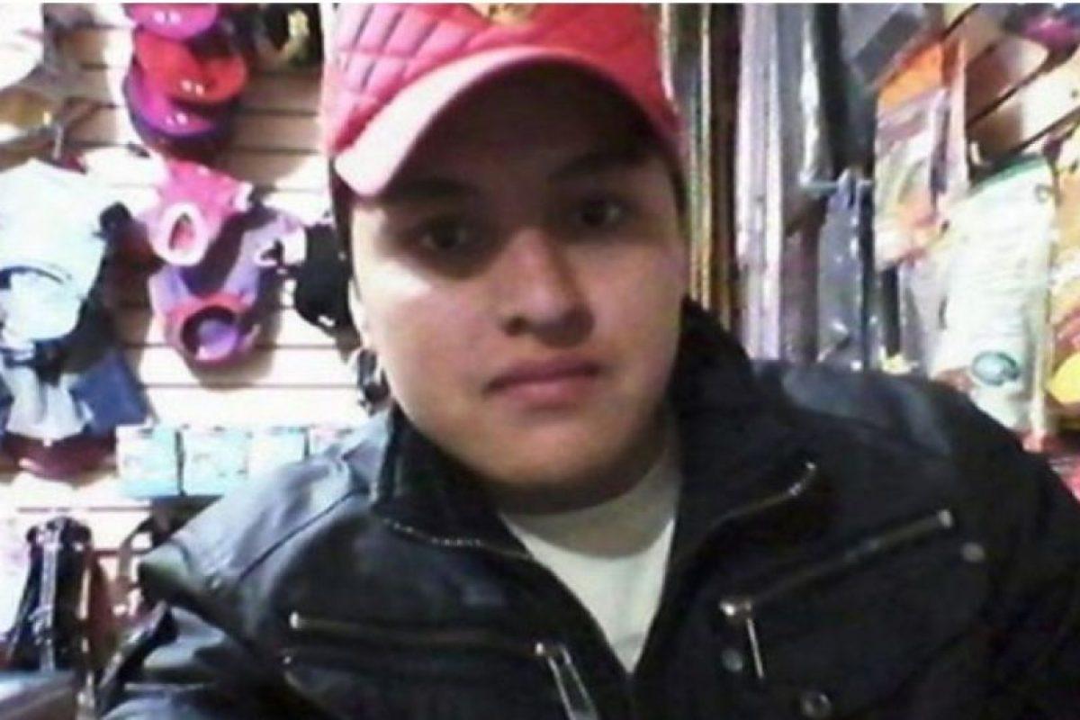 Óscar Aguilar trató de hacer un selfie con un arma pero la disparó por accidente y se mató. Foto:Facebook. Imagen Por: