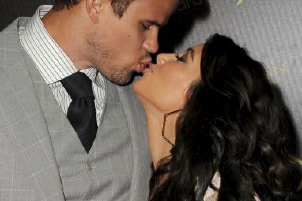 En 2000, Kardashian se casó con el productor de música Damon Thomas Foto:Getty Images. Imagen Por: