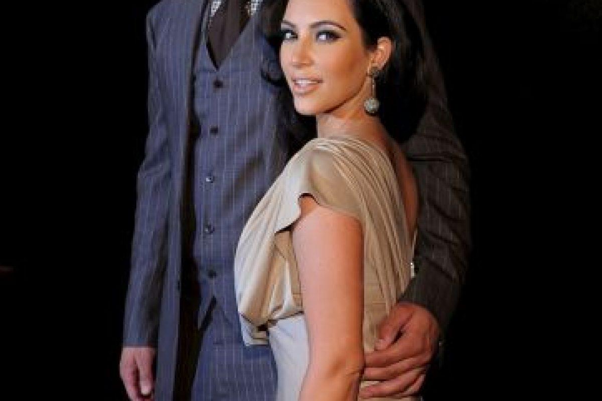 A mediados de 2012, se dio a conocer que Kim salía con el rapero Kanye West. Foto:Getty Images. Imagen Por: