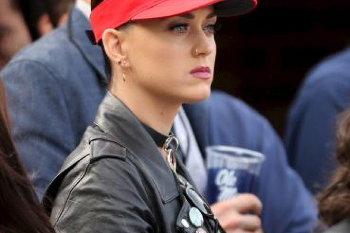 Katy Perry y sus dos… ¿qué? Foto:Getty Images. Imagen Por: