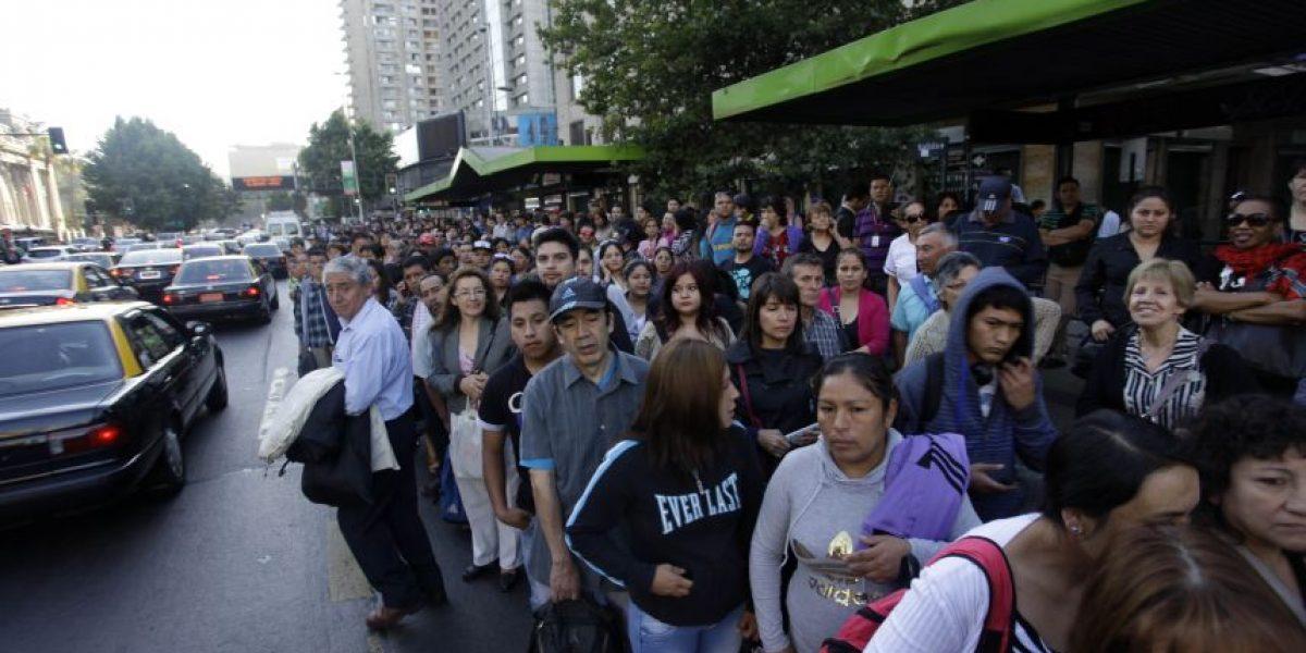 Colapso en Santiago: 24 estaciones de líneas 1 y 5 del Metro estarán cerradas en hora punta en la tarde