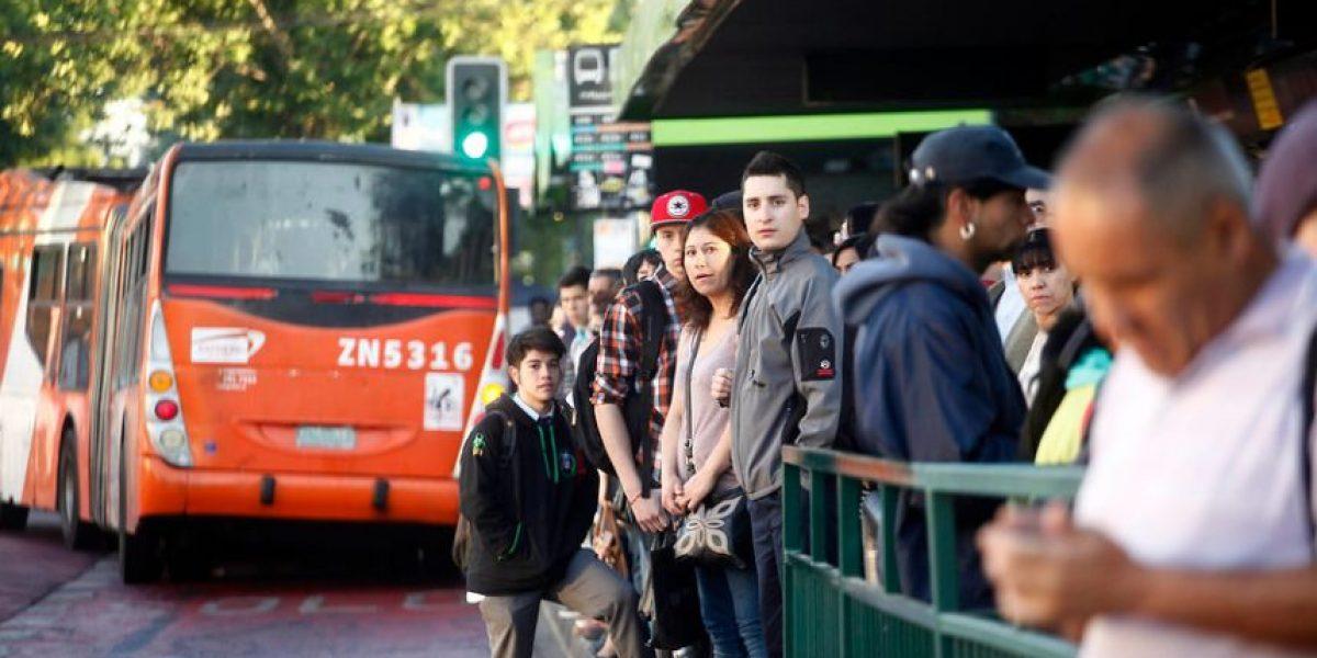 Santiago no es Chile: Tuiteros de regiones reclaman contra la TV por cobertura tras falla del Metro