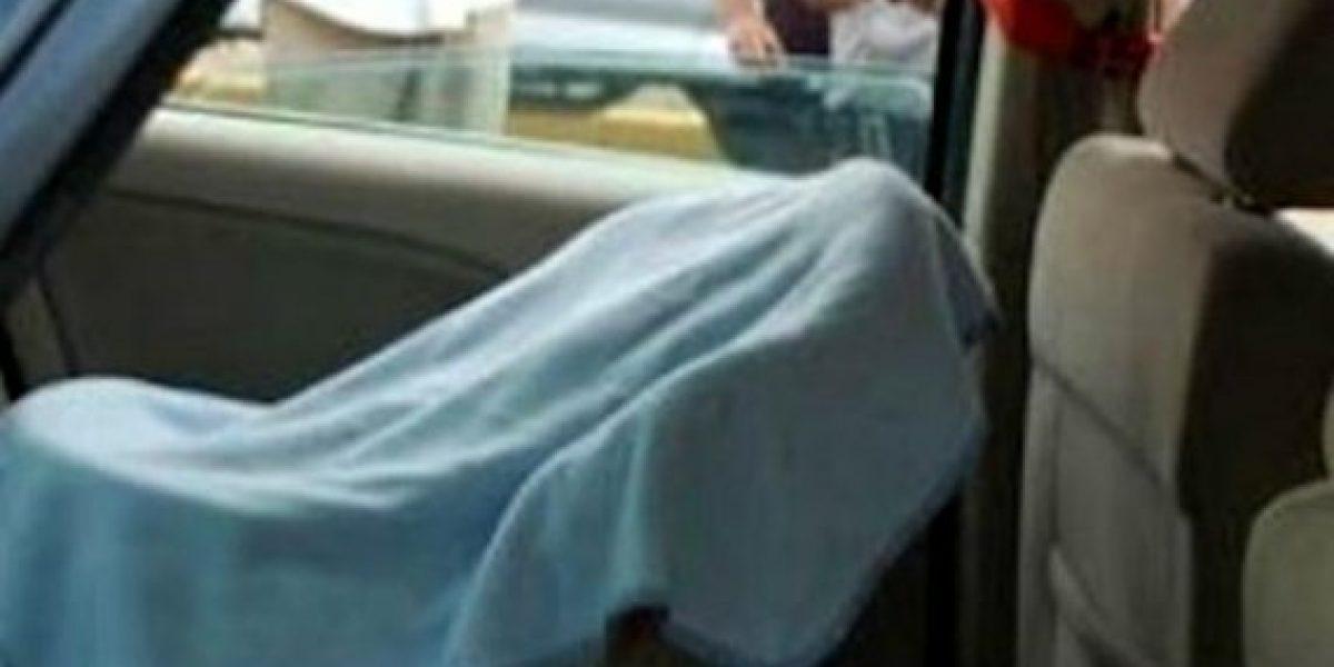 Hombre olvidó a su hijo dentro del auto