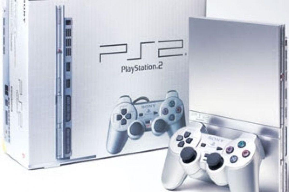 PlayStation 2 Slim plateada Foto:SONY. Imagen Por: