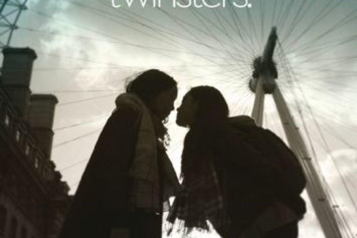 Y la contactó a través de Facebook. Foto:Vía Facebook/twinstersmovie. Imagen Por: