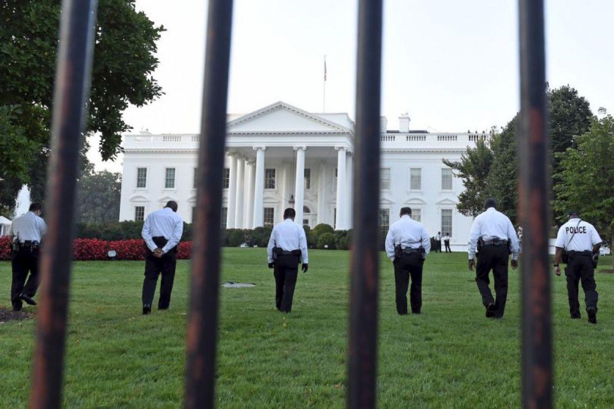 El hombre llegó hasta el Salón Este de la mansión ejecutiva. Foto:AP. Imagen Por: