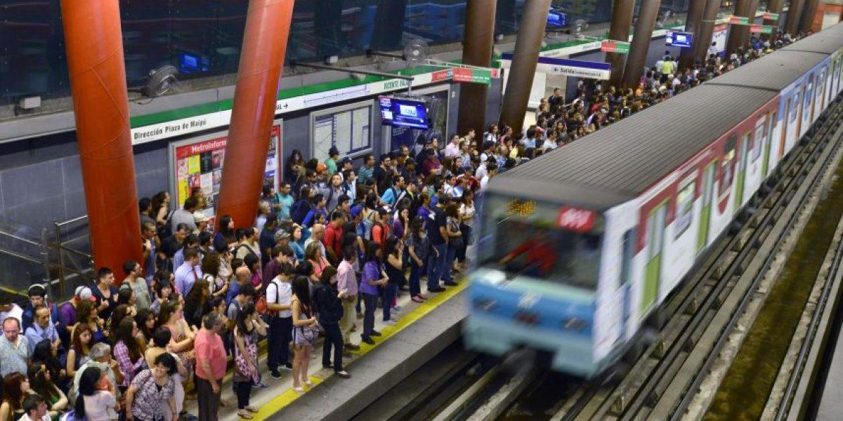 FOTOS: Así funciona el Metro de Santiago en estos momentos