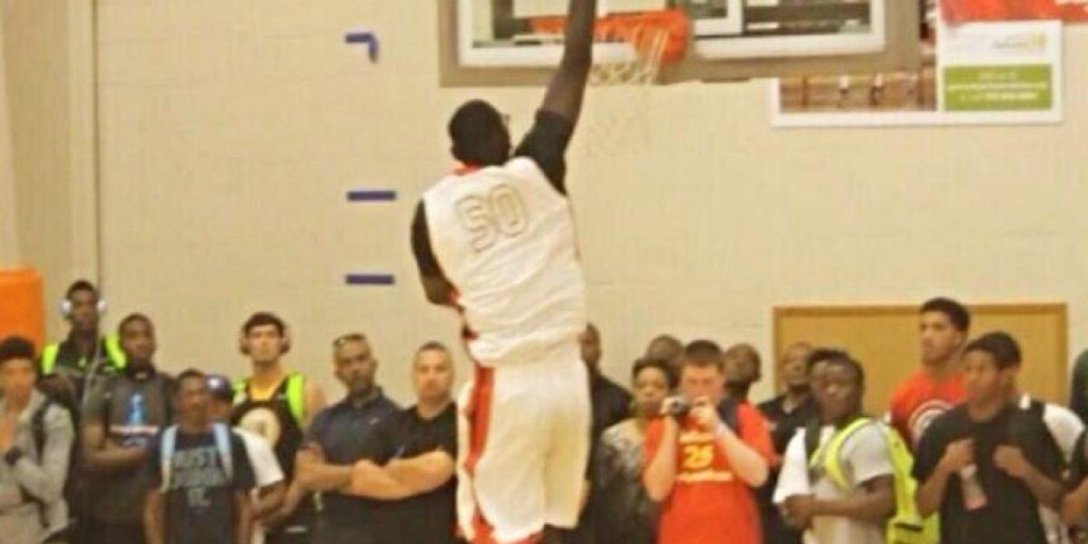 ¡Gigante! Tacko Fall, el basquetbolista más grande del mundo
