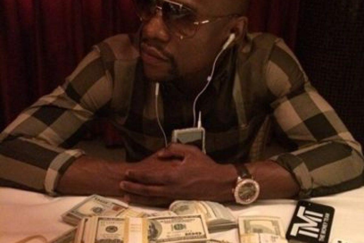 Money se caracteriza por mostrar su lujosa vida Foto:Instagram: @floydmayweather. Imagen Por: