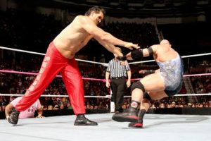 Ha participado en películas como Golpe bajo y Superagente 86 Foto:WWE. Imagen Por: