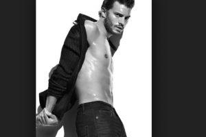 """Jamie Dornan era modelo y protagonista de editoriales de moda para las grandes revistas. También es actor, pero se hizo conocido por interpretar a Christian Grey en """"50 sombras de Grey"""". Aquí les dejamos sus fotos más sensuales Foto:Calvin Klein. Imagen Por:"""