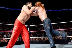 Mide 2.16 metros Foto:WWE. Imagen Por: