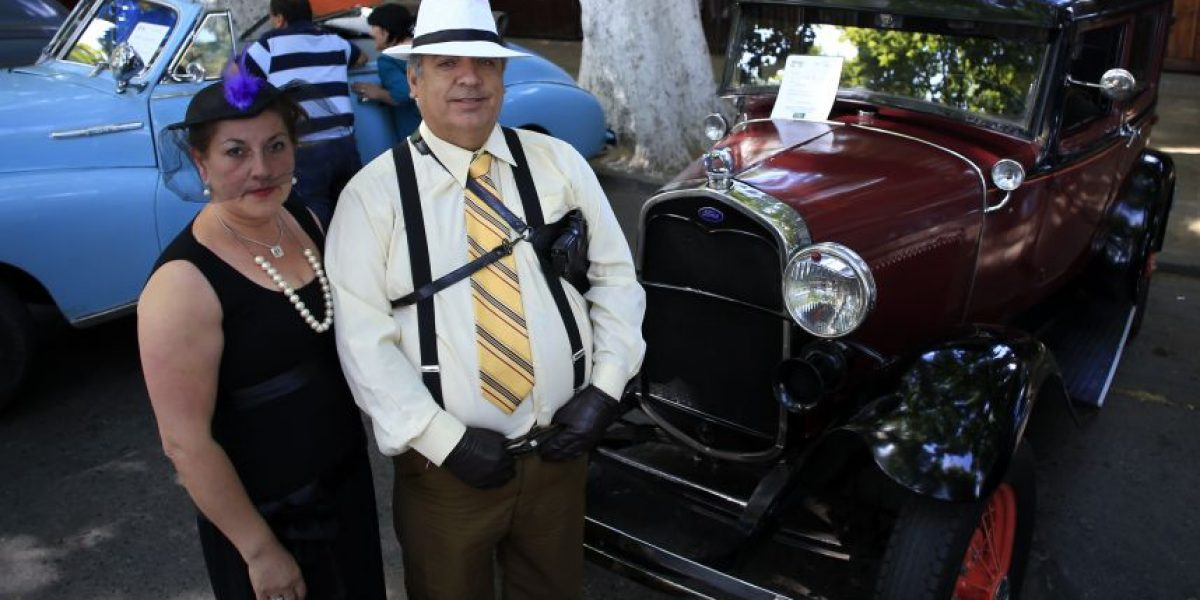 En Isla de Maipo viajaron al pasado gracias a la Quinta Muestra de Autos Clásicos y Antiguos