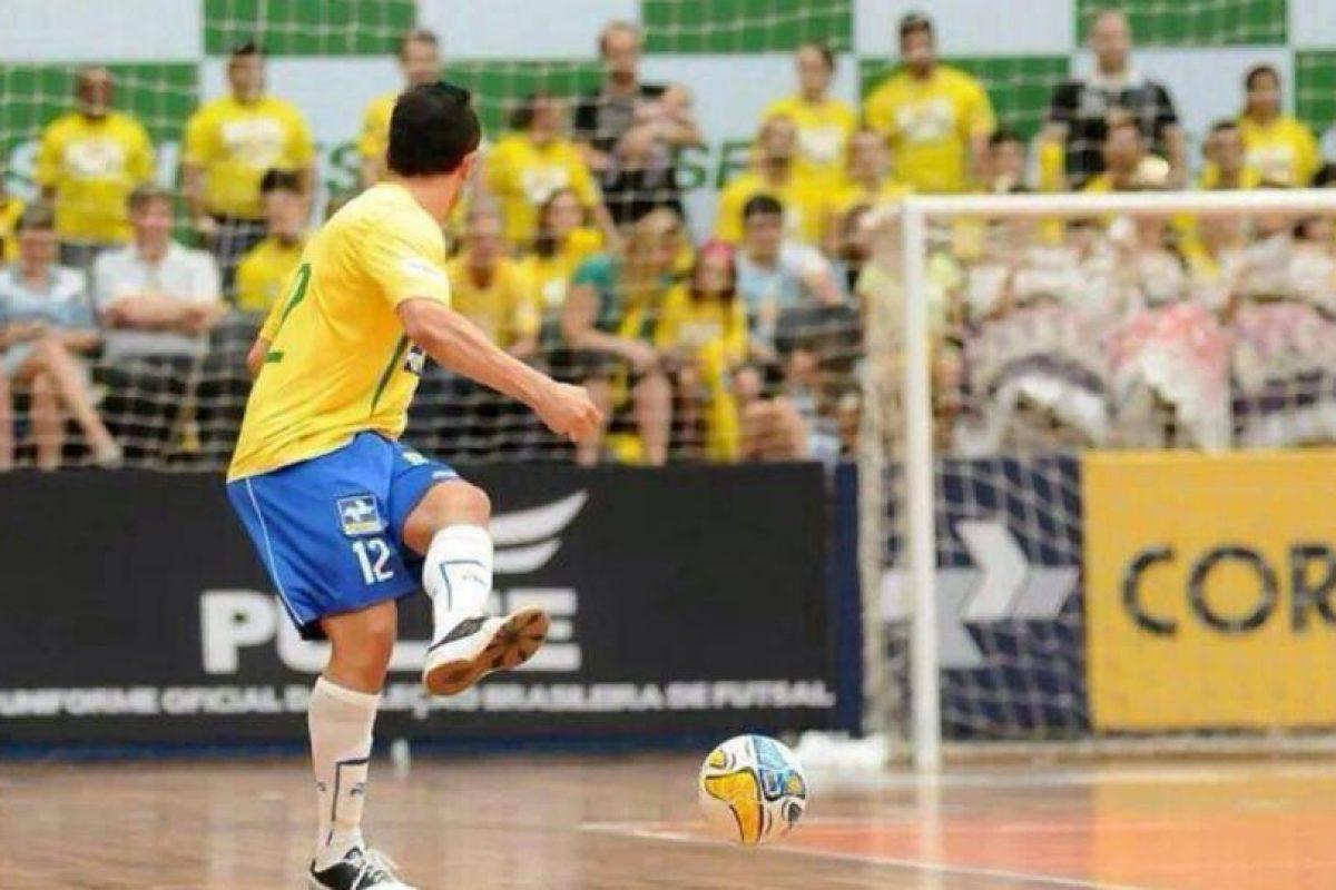 El brasileño es considerado uno de los mejores futbolistas de futsal Foto:Twitter: @Falcao12oficial. Imagen Por: