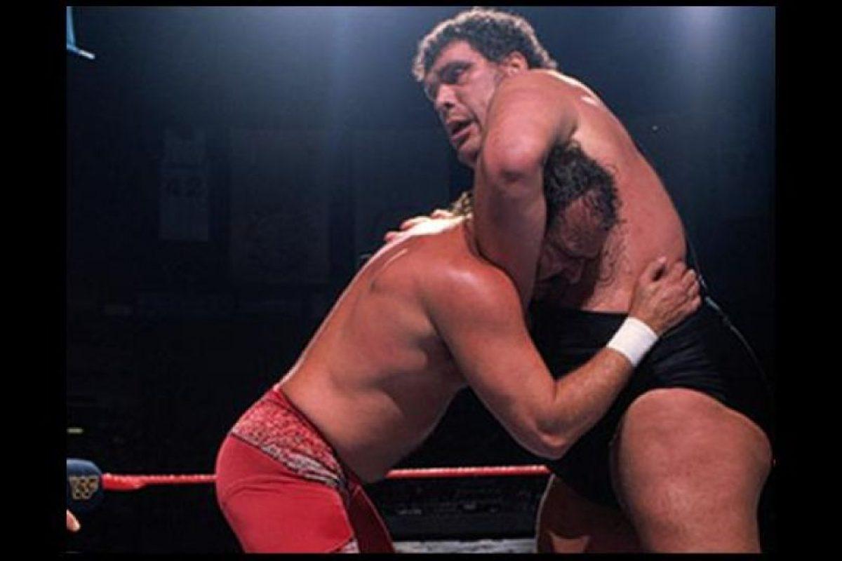 Medía 2.24 metros (7 pies con 4 pulgadas) Foto:WWE. Imagen Por: