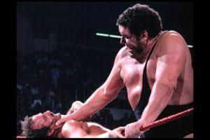 Fue uno de los primeros gigantes de la lucha libre Foto:WWE. Imagen Por: